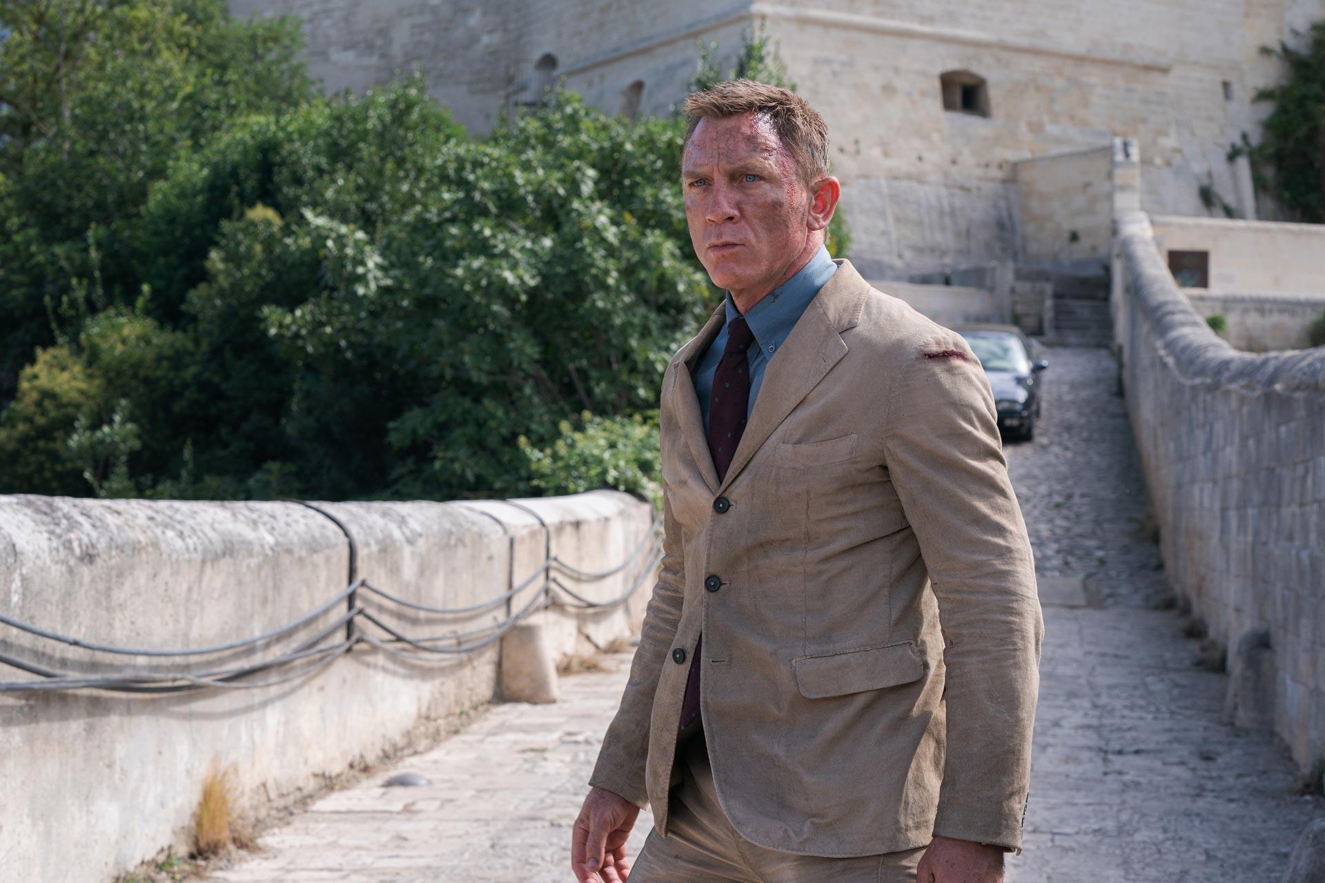 Novo filme do 007 fica bem abaixo nas bilheterias - legadoplus